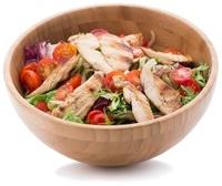 Schüssel Salat mit Huhn