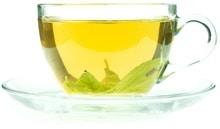Grüner Tee in einer Glas-Teetasse