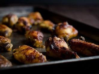 Hühnerflügel mit Honig und Knoblauch