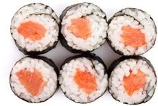 Maki Sushi mit Lachs