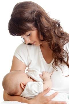 Mutter, die Baby stillt