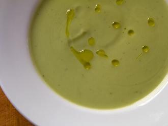 Paläo-Brokkoli-Suppe