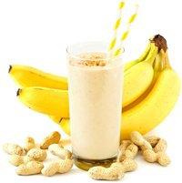 Erdnüsse, Bananen und ein Protein-Smoothie