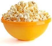 Popcorn in der gelben Schüssel