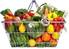 Einkaufskorb voller Obst und Gemüse